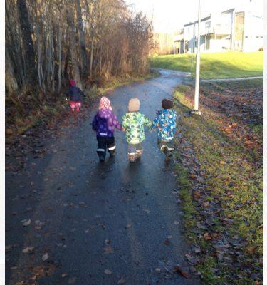 På promenad med förskolan